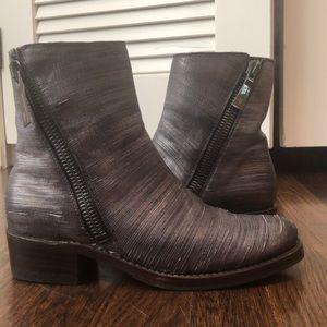 Frye Women's Demi Zip bootie boots metallic